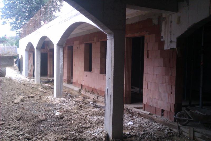 Výstavba rodinných a bytových domov